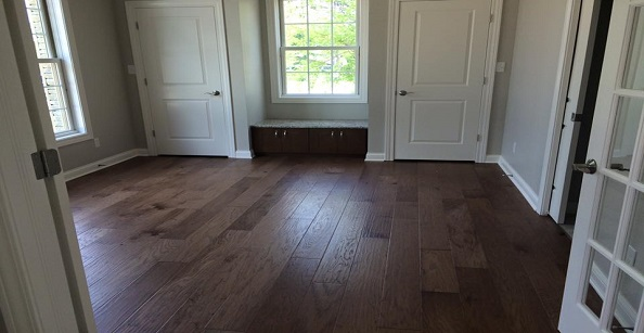 riverside-carpet-one-columbus-in-home-hardwood-entryway