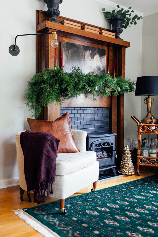 Minimalist Holiday Mantel, Christmas Mantel, Holiday Decor