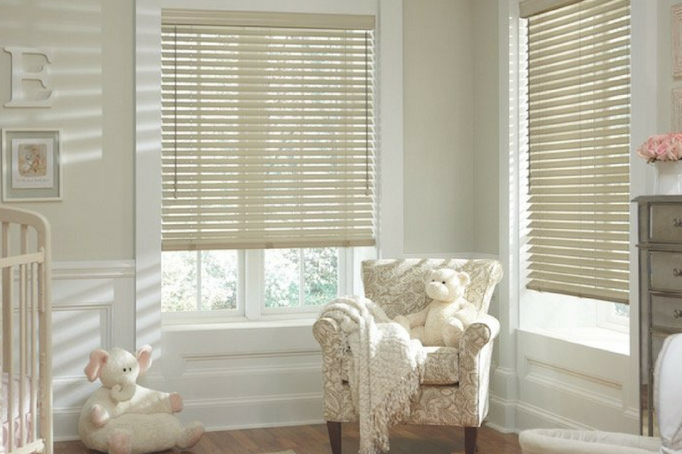 Hunter Douglas Parkland Wooden Blinds