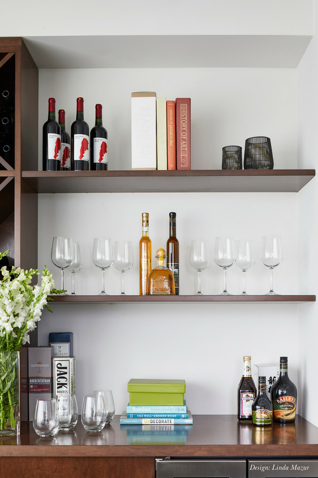 Diningroom Shelves